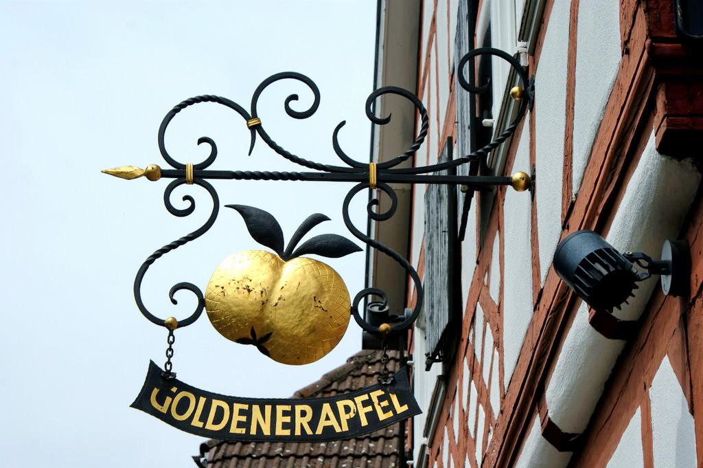 drei goldene äpfel